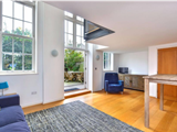 Tollington Road - Flat for sale in London