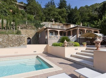 Villa with a Pool and Beautiful Views at Gavorrano - Grosseto